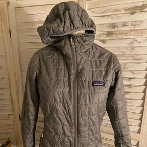 WOMANS Patagonia gray hoodie jacket xs
